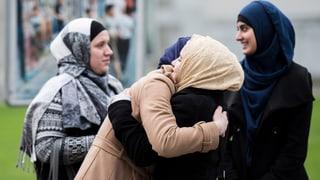 Muslimische Schülerin darf mit Kopftuch zur Schule gehen