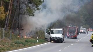 Giuvaulta: Pumpiers impedeschan incendi da guaud