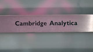 Razzias tar Cambridge Analytica