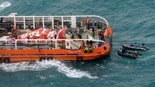 Heck von AirAsia-Maschine geborgen
