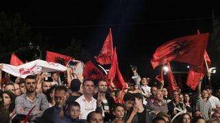Kosovo steht vor einer politischen Totalblockade: Radikale Parteien haben die vorgezogene Parlamentswahl im Kosovo klar gewonnen.