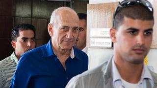 Israels Ex-Premier Olmert kommt mit blauem Auge davon