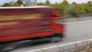 Bewusstloser Lastwagen-Fahrer fährt zehn Kilometer