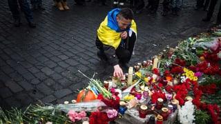 Machtwechsel in der Ukraine: Der Westen lockt, Russland warnt