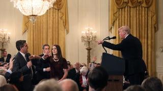 Milde gegenüber den Demokraten – gehässig zu Journalisten