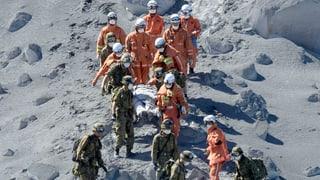 Mehr als 30 Tote nach Vulkanausbruch in Japan