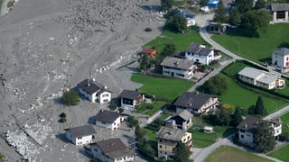Dorf bleibt wegen anhaltender Gefahr evakuiert