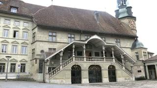 Viele Sitze bleiben im Freiburger Kantonsparlament leer