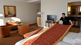 Leere Betten in Schweizer Hotels