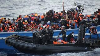Italien rettet innert 24 Stunden über 3000 Flüchtlinge