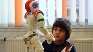 Roboter fördern die Kommunikation bei Autismus (Artikel enthält Video)