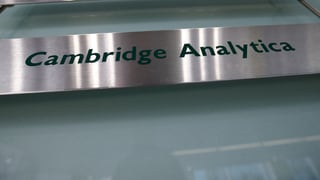 Razzia bei Cambridge Analytica