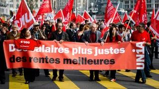 Politiker und Gewerkschafter prangern soziale Missstände an