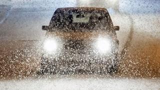 So fahren Sie sicher auf Schnee und Eis