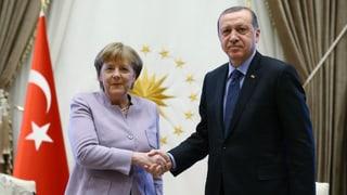 Die Kanzlerin pocht auf Einhaltung der Meinungsfreiheit