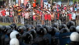 Kambodscha: Massenstreik statt Kleider für Europa
