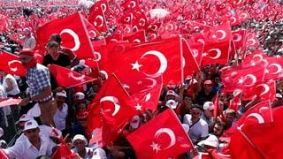 Manifestaziun gronda ad Istanbul