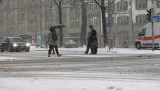 Schnee hielt in der Region Bern Pendler auf