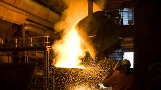 Im Stahlwerk Gerlafingen brummt der Ofen neu auch im Sommer