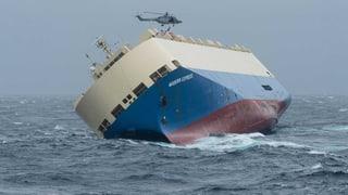 Geisterschiff treibt auf französische Atlantikküste zu