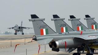 Zwei indische Flugzeuge über Kaschmir-Region abgeschossen
