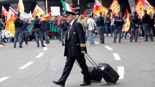 Warum lehnen die Angestellten die Sanierung ab? Diese und weitere Fragen zur Alitalia-Krise finden Sie hier.