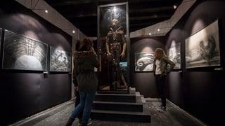2. emprova da rimnar daners per visualisar museum da H.R. Giger