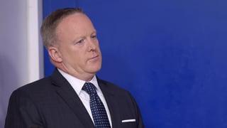 Was tun mit Trump-Sprecher Spicer?