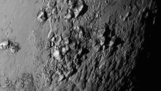 Erste Bilder vom Besuch bei Pluto