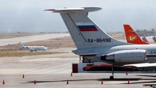 99 russische Soldaten landen in Venezuela