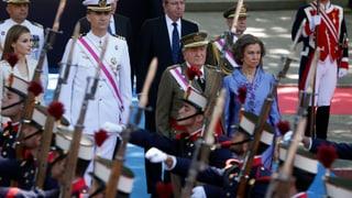 Juan Carlos sagt der Armee schon mal «Adiós»
