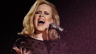 Adele bringt Emotionen in Dylans Song