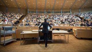 Welche Geldgeber Schweizer Universitäten sponsern (Artikel enthält Video)