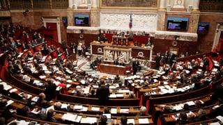 Die Assemblée nationale billigt längeren Ausnahmezustand