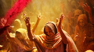 Indien feiert das Farben-Fest