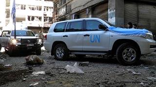 Hilfstransport für Homs unter Beschuss