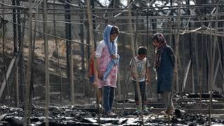Tausende Flüchtlinge irren auf Lesbos umher