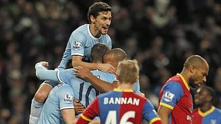 Zittersiege für Manchester-Klubs