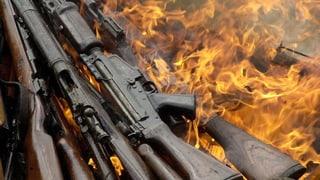 Wenn die Waffen schweigen: Waffenruhe oder Waffenstillstand?