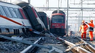 6 blessads tar collisiun da trens a Rafz