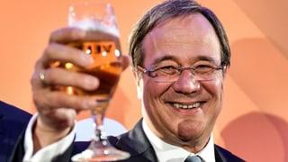Noch ist völlig offen, welche Koalition künftig regiert. CDU-Spitzenkandidat Armin Laschet will «mit allen Demokraten» reden.