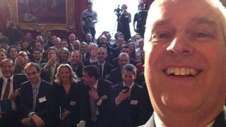 Jetzt hat das «Selfie»-Fieber auch die britischen Royals erreicht
