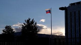 Aus den USA ausgewiesene russische Diplomaten wieder in Moskau