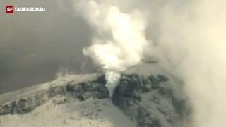 Wanderer von Vulkanausbruch überrascht