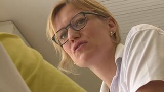A l'entschatta lieu da vacanzas ed ussa la patria – Elke Cloet  (Artitgel cuntegn video)