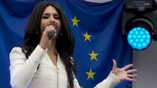 Apart mit Bart für Toleranz am Start: Conchita Wurst vor der EU