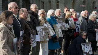 Parlament decida indemnisaziuns per uffants plazzads