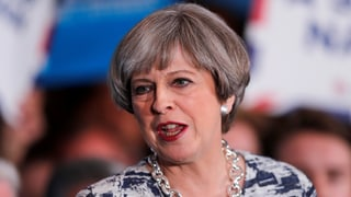 Theresa May gilt wegen ihrer Sparpläne als «Lunch-Diebin» – und ist trotzdem Favoritin für den Wahlsieg.