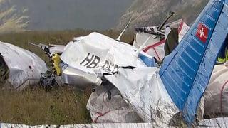 Zwei Buben und der Pilot sterben – Jugendliche schwer verletzt