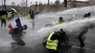 Über 400 Festnahmen und 130 Verletzte bei «Gelbwesten»-Protesten